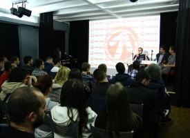 Ovako je juče bilo u SKC-u! Vidojković poručio okupljenima: Ne smemo biti kukavice!